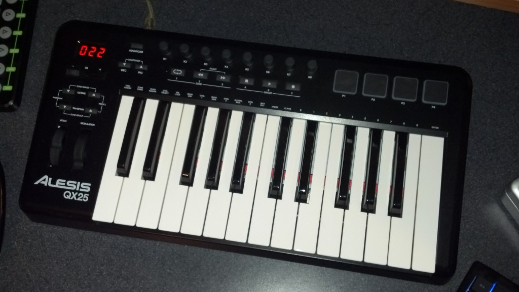 The Alesis QX25 Keyboard Controller: My Hands-on Review