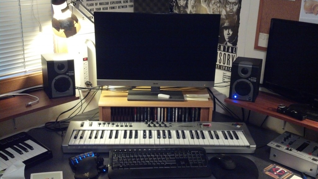 Alesis M1 Active USB in Position Far